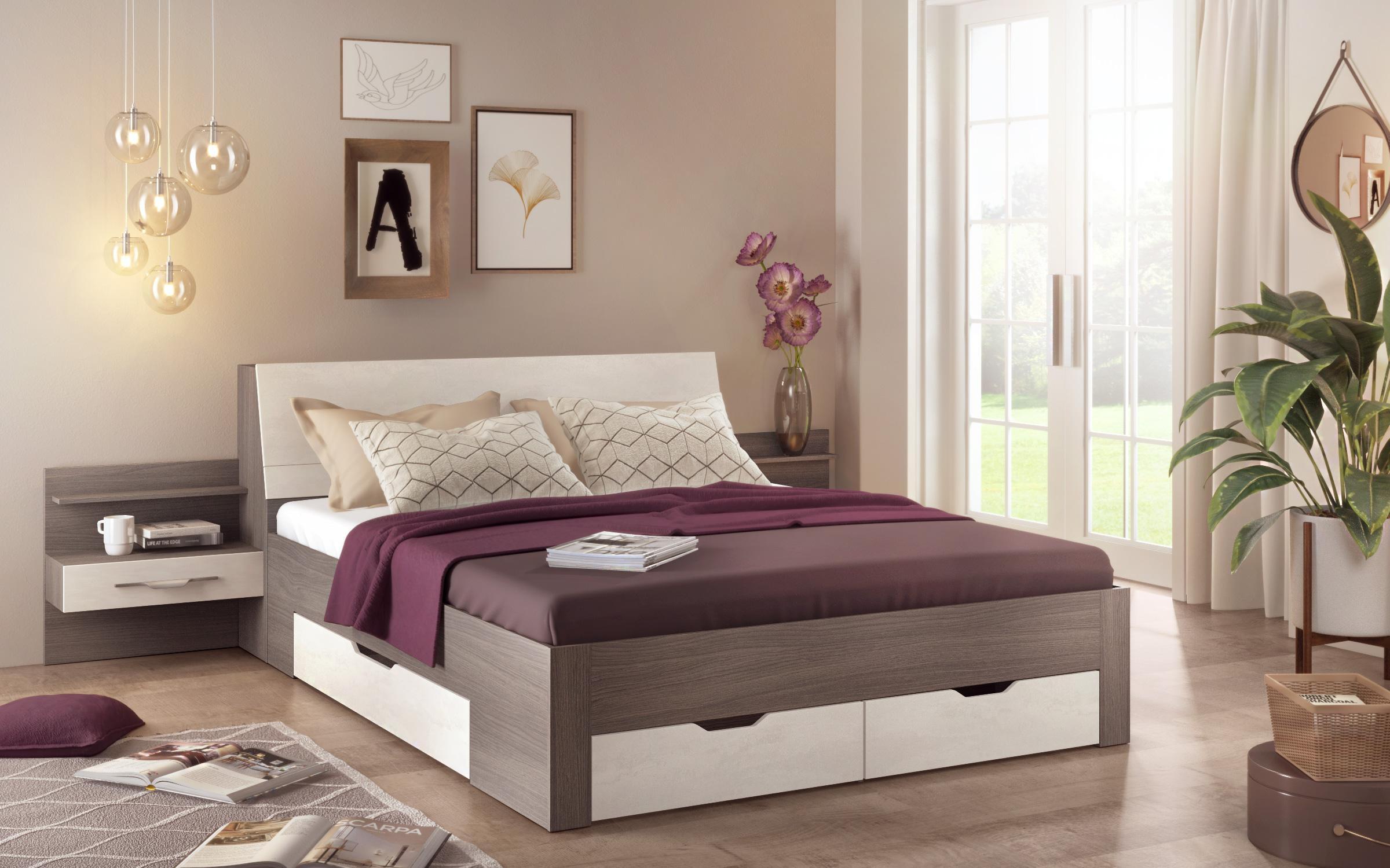 Спалня Аджани